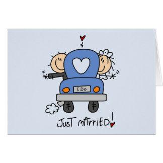 Gerade verheiratete Braut und Bräutigam-T - Shirts Karte