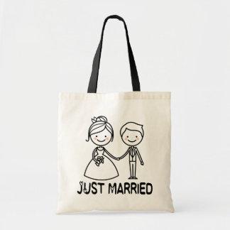 Gerade verheiratete Cartoon-Braut-u. Tragetasche