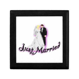 Gerade verheiratete Hochzeits-Paare Erinnerungskiste