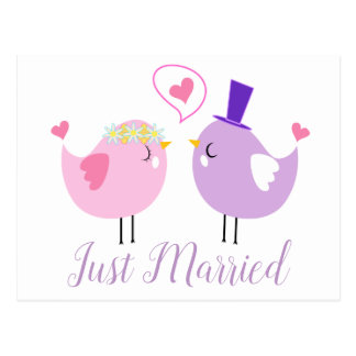 Gerade verheiratete Lovebirds rosa u. lila Postkarte