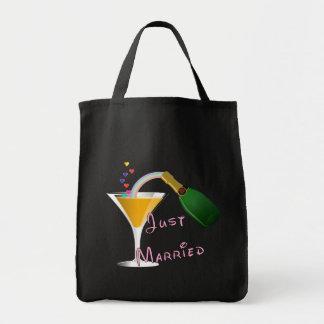 Gerade verheirateter Champagne-Hochzeits-Toast Einkaufstasche