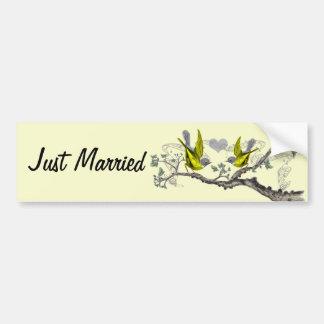 Gerade verheiratetes Vintages Gelb Winged graue Autoaufkleber
