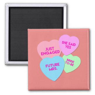 Gerade verlobte Süßigkeits-Herzen Quadratischer Magnet