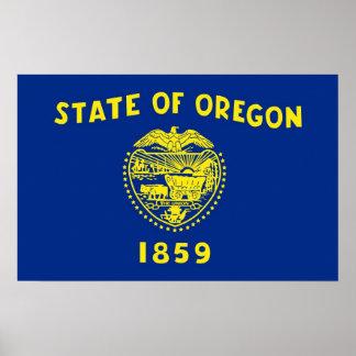 Gerahmter Druck mit Flagge von Oregon, USA Poster