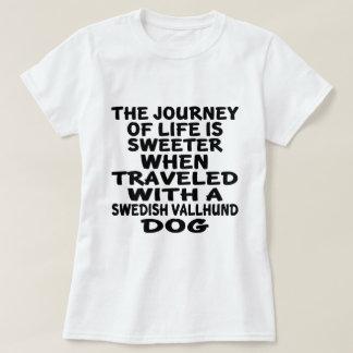 Gereist mit einem schwedischen Vallhund T-Shirt