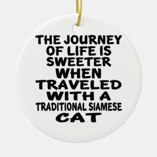 Gereist mit traditioneller siamesischer Katze Keramik Ornament