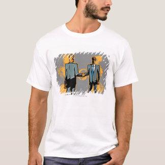 Geschäftsmann zwei, der Hände rüttelt T-Shirt