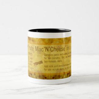 Geschenk-Tasse: 5-Minuten- Käse-Rezept des Mac-N Zweifarbige Tasse
