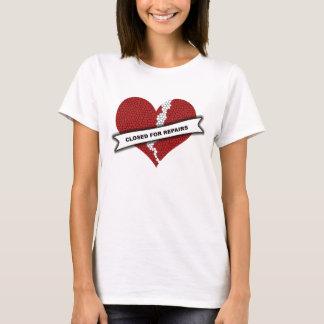 Geschlossen für RepairsT-Shirt T-Shirt