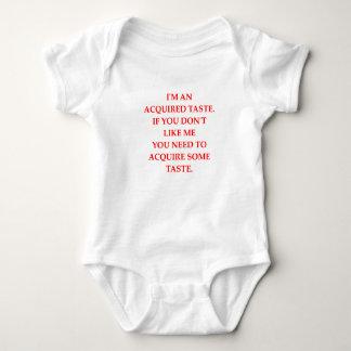GESCHMACK BABY STRAMPLER