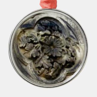 geschnitzter Blumenstein Silbernes Ornament