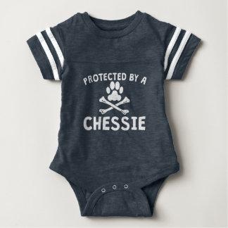 Geschützt durch ein Chessie Baby Strampler