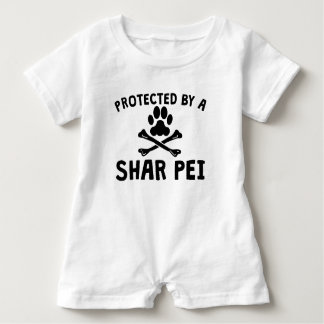 Geschützt durch ein Shar Pei Baby Strampler