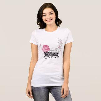 Gesegnet - mit Blumen T-Shirt