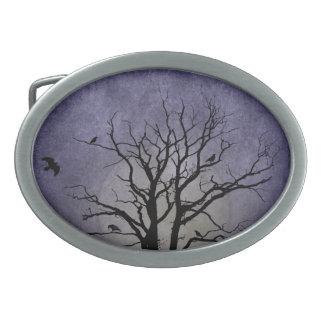 Gespenstische Baum-Halloween-Drucke Ovale Gürtelschnallen