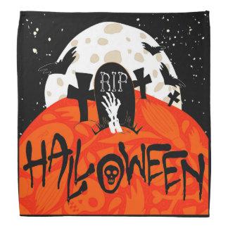 Gespenstischer Friedhof Halloweens schlägt Halstücher