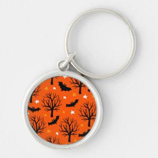 Gespenstischer Halloween-Baum mit Schlägern und Schlüsselanhänger