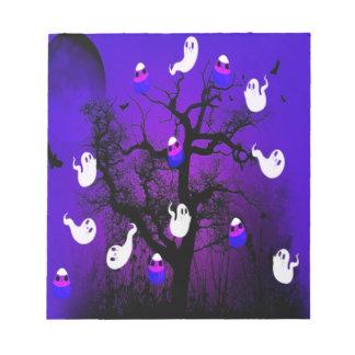 Gespenstischer Süßigkeits-Baum Notizblock