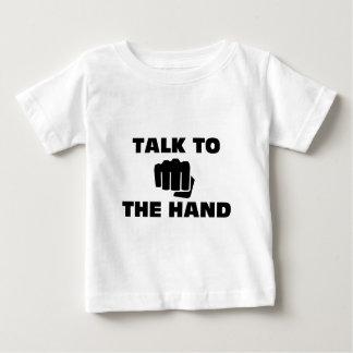 Gespräch zur Kampfkunst-Hand Baby T-shirt