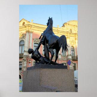 Gestaltet die Anichkov Brücke im St. Petersburg Poster