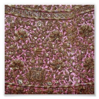 Gesticktes rosa Gewebe Neu-Delhi Indien Fotografischer Druck