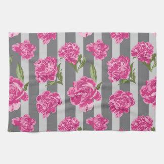 Gestreifte Pink-Pfingstrosen-nahtloses Muster Handtuch
