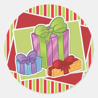 Gestreifter Weihnachtsaufkleber w/presents Runde Sticker