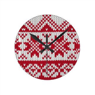 Gestricktes Weihnachtsmuster in Rotem u. in weißem Runde Wanduhr