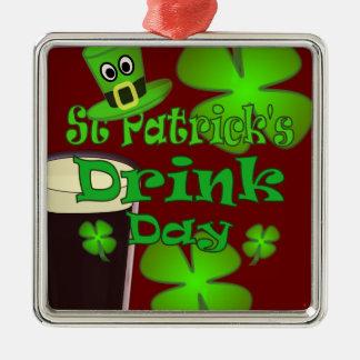 Getränk-Tag St. Patricks - ich bin irisch Silbernes Ornament
