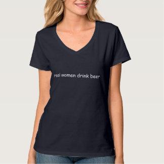 Getränkbier der wirklichen Frauen T-Shirt