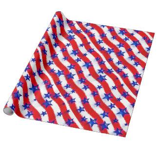 Gewellte patriotische blaue Sterne über den roten Geschenkpapier