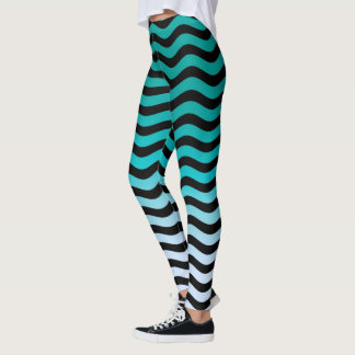 Gewellter Türkis Stripes Dekor an Leggings