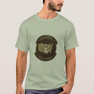 Gewohnheiten und Grenzschutz Luft und Marinesoldat T-Shirt