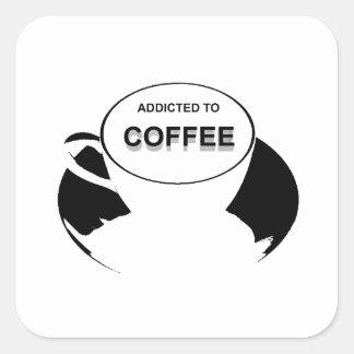 Gewöhnt zum Kaffee-Schwarzen Quadratischer Aufkleber