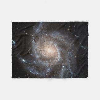 Gewundene kleine Fleece-Decke der Galaxie-(M101) Fleecedecke