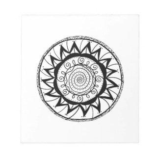 Gewundene Mandala-Blume Notizblock