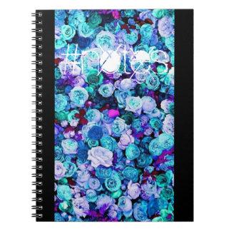 Gewundenes Notizbuch der blauen BlumenRosen Notizblock