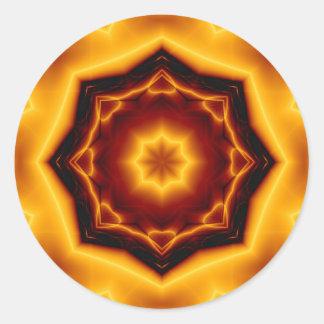 Gezeigter Stern des Kaleidoskop-acht auf Feuer Runder Aufkleber