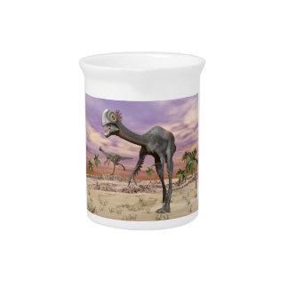 Gigantoraptor Dinosaurier in der Wüste - 3D Krug
