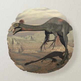 Gigantoraptor Dinosaurier in der Wüste - 3D Rundes Kissen