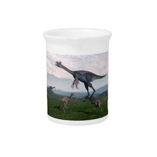 Gigantoraptor und kleine mononykus Dinosaurier - Krug
