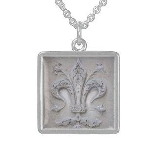 Giglio (florentinische Lilie) Halskette Mit Quadratischem Anhänger