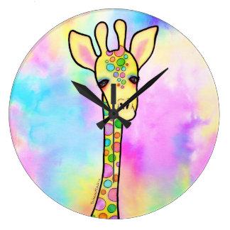 Giraffe im Regenbogen Große Wanduhr
