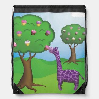 Giraffe mit Leckerei-Rucksack Turnbeutel