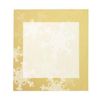 Girly goldenes und weißes Weihnachtsschneeflocken Notizblock