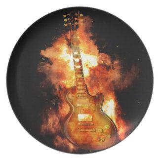 Gitarre auf Feuer Melaminteller