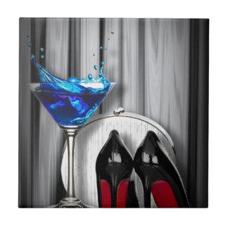 Glamourmartini-Cocktail-Party-Mädchen stilletos Keramikfliese