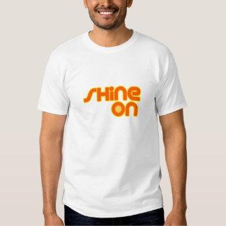 Glanz an T-Shirts