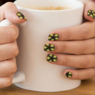 Glänzende gelbe goldene minx nagelkunst