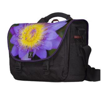 Glänzendes blaues Lilien-Auflage-Blüten-Foto Notebook Tasche